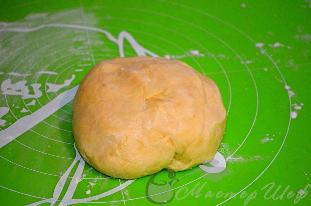 Ставим тесто в холодильник на полчаса