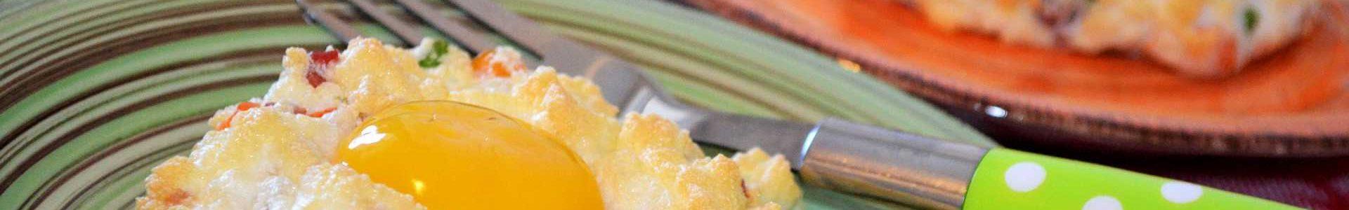 Воздушная яичница — отличный и красивый завтрак