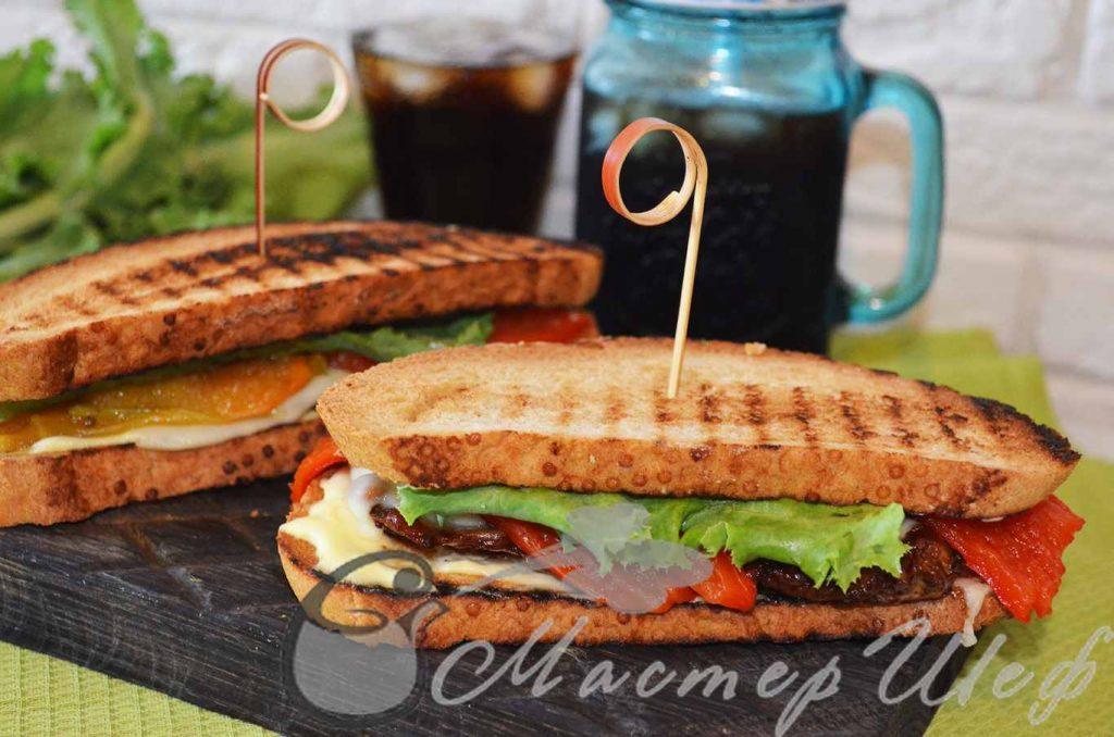 Сэндвичи с курицей и печеным перцем