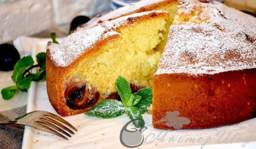 Нежный и простой пирог со сливами