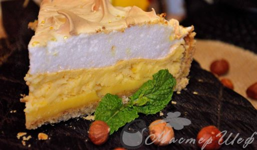 Лимонный пирог с орехами и безе