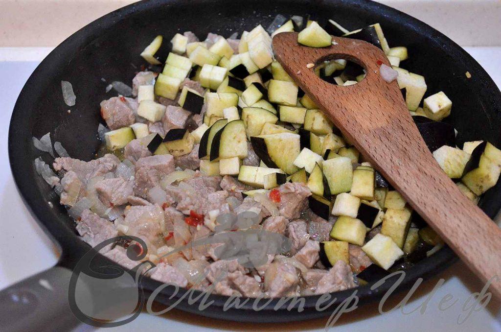 Тушим баклажаны с мясом 10 минут