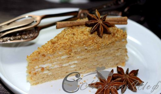 Пряный медовый торт