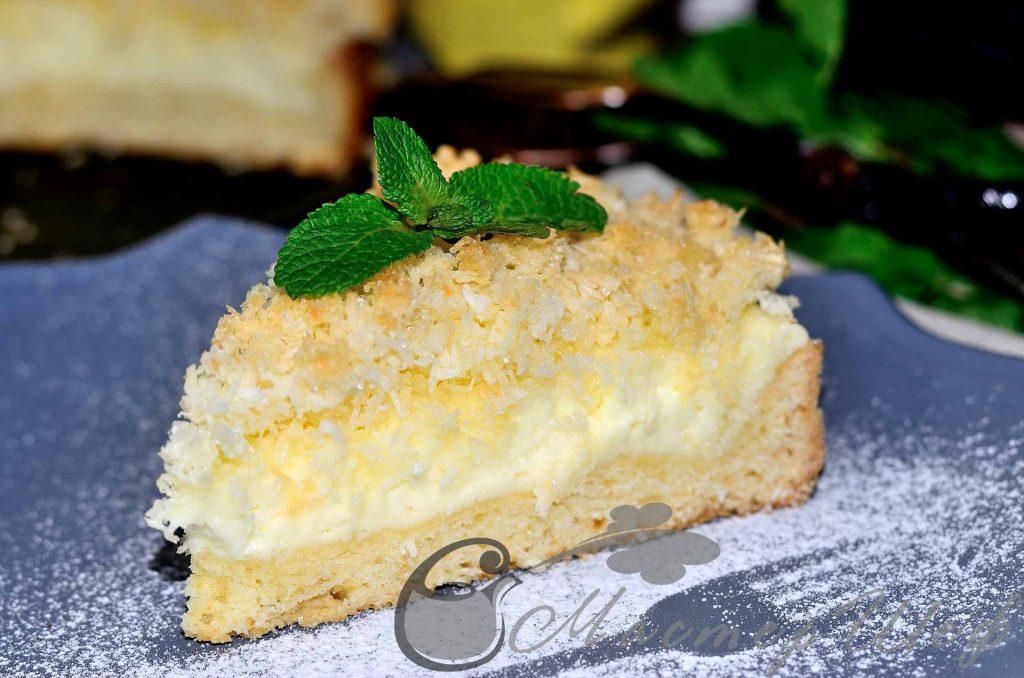 Пирог с сырно-кокосовой начинкой