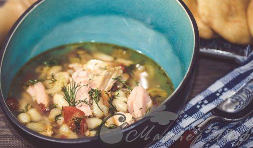 Суп с копченой горбушей и фасолью