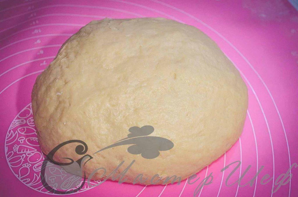 Оставляем тесто на 10-15 минут