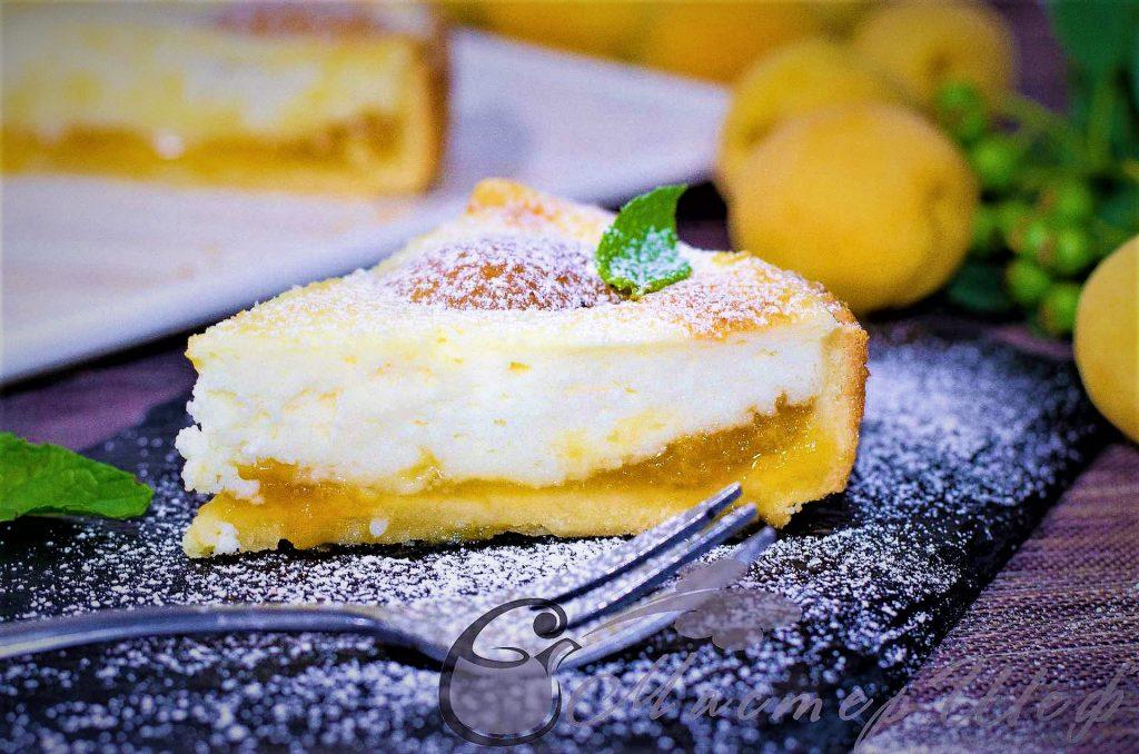 Творожно-йогуртовый пирог с абрикосами