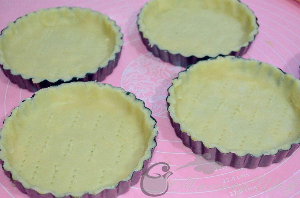 Прокалываем коржи вилкой - Рецепт лимонных чизкейков