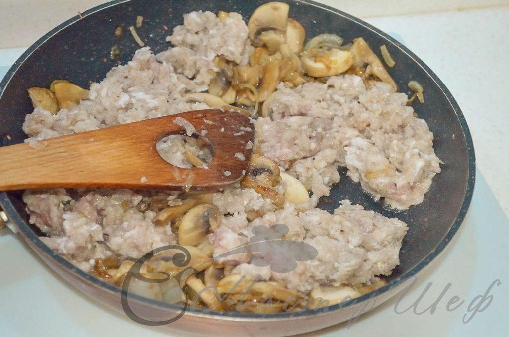 Рецепт - Мясной пирог с грибами - ШАГ 5