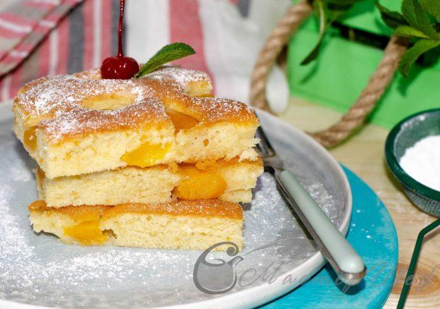 Пирог с абрикосами и персиками на скорую руку