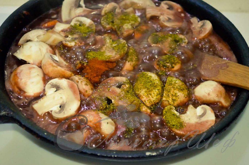 ШАГ 7 - Мясо с шампиньонами по-французски