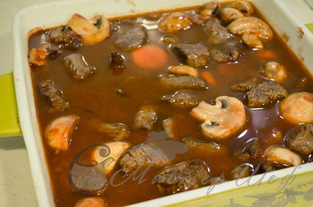 ШАГ 8 -Мясо по-бургундски
