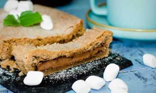 Пирог с шоколадом и маршмеллоу