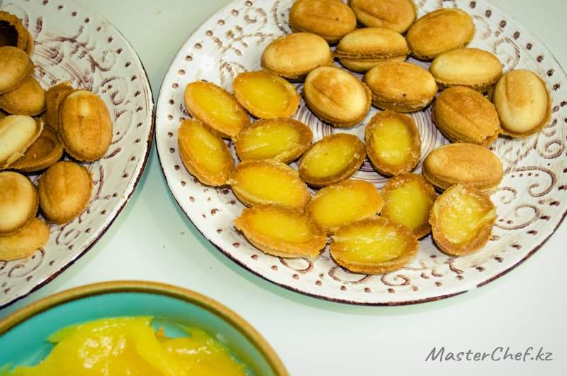 ШАГ 5 - Орешки с лимонной начинкой