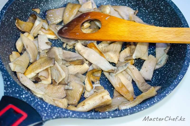 ШАГ 2 - Салат с грибами и свеклой