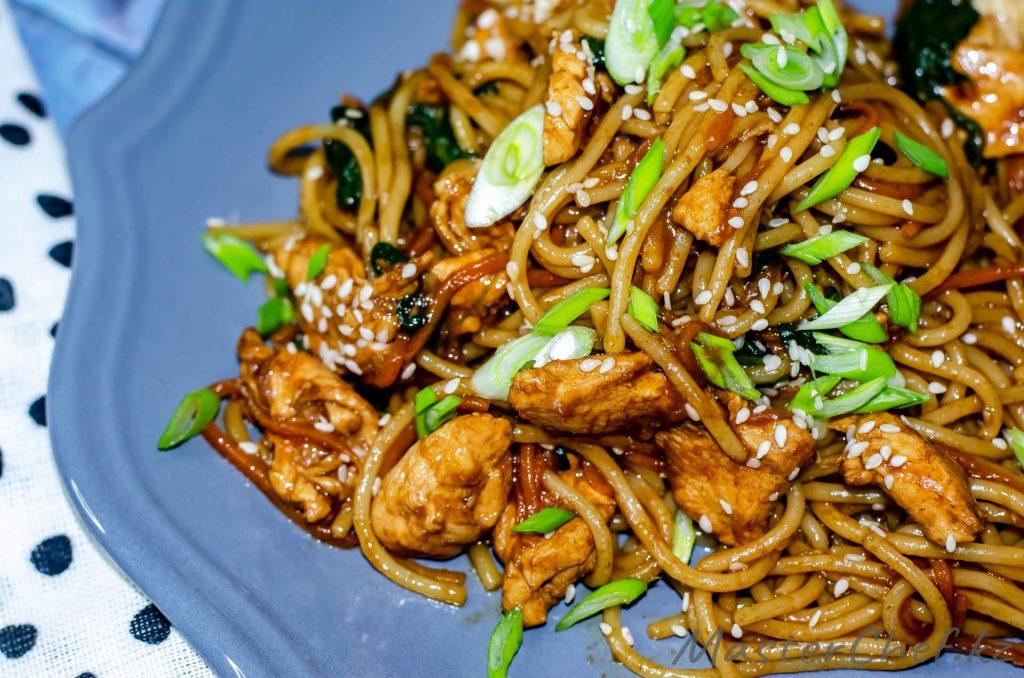 Лапша с курицей по-азиатски - рецепт с фото